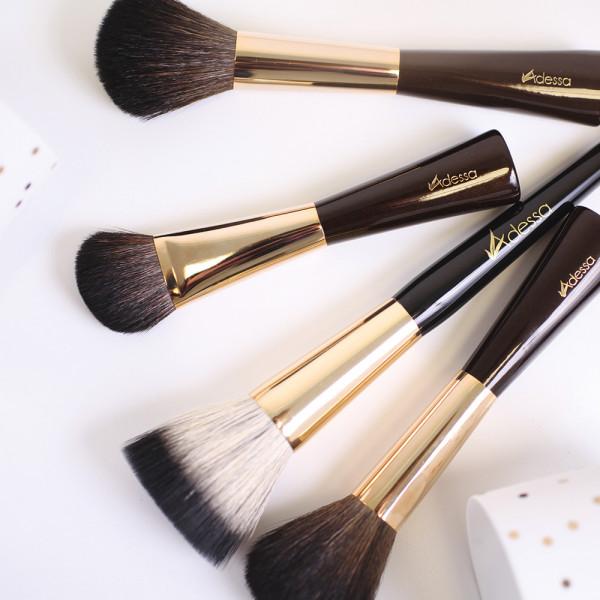 "Adessa Make-up powder brush ""Visagist"""